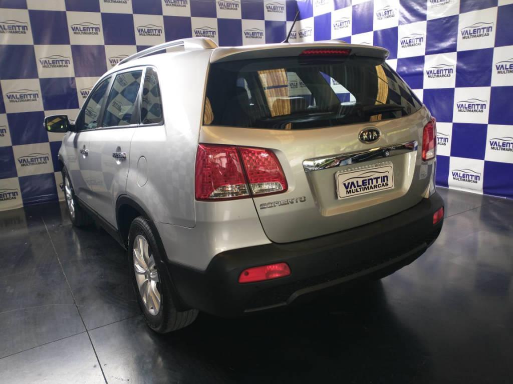 Foto numero 4 do veiculo Kia Sorento 2.4 4x2 aut. - Prata - 2011/2012