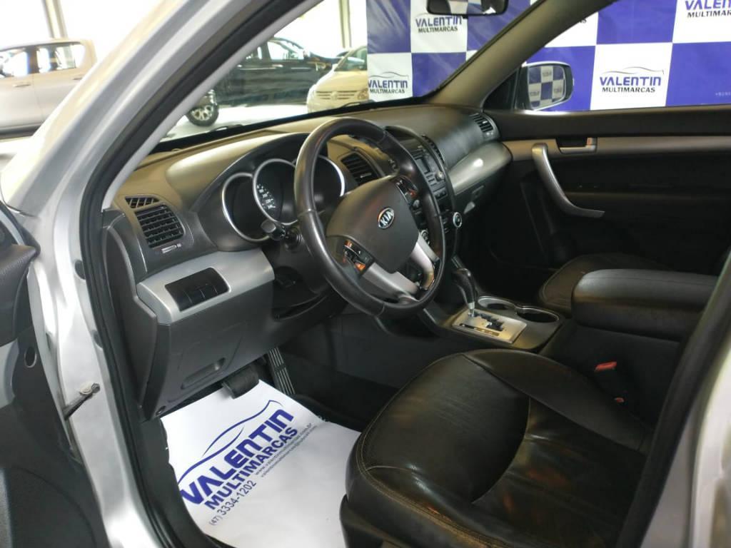 Foto numero 6 do veiculo Kia Sorento 2.4 4x2 aut. - Prata - 2011/2012