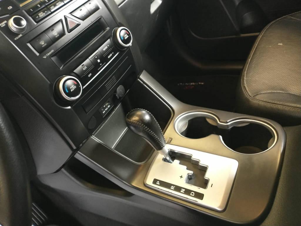 Foto numero 7 do veiculo Kia Sorento 2.4 4x2 aut. - Prata - 2011/2012